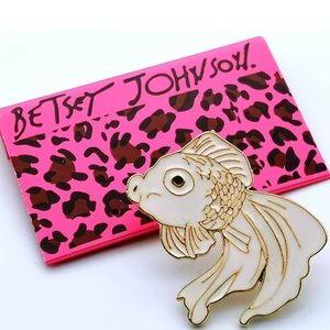 Betsey Johnson white koi fish pin💕
